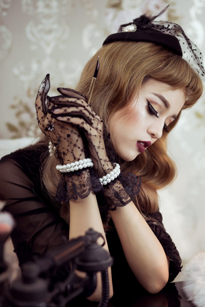 Make up Vintage สายฝ.แบบมาดามฝรั่งยุค40s ด้วย Cosluxe อายไลเนอร์ Monet 21